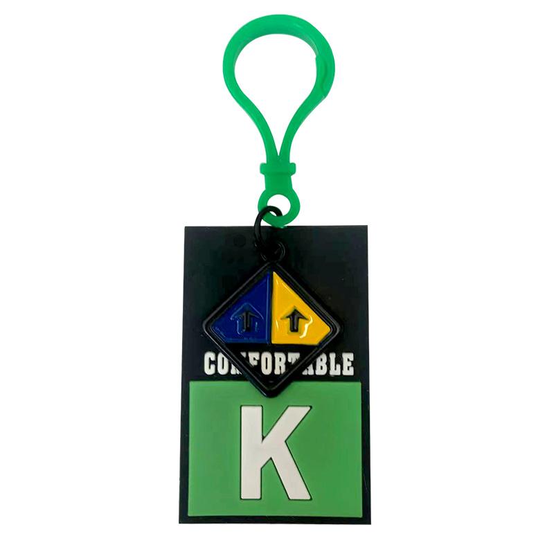 """Декоративная навеска силикон на пластиковом крючке """"K"""" 6,5*4см, цв:черный/зеленый"""