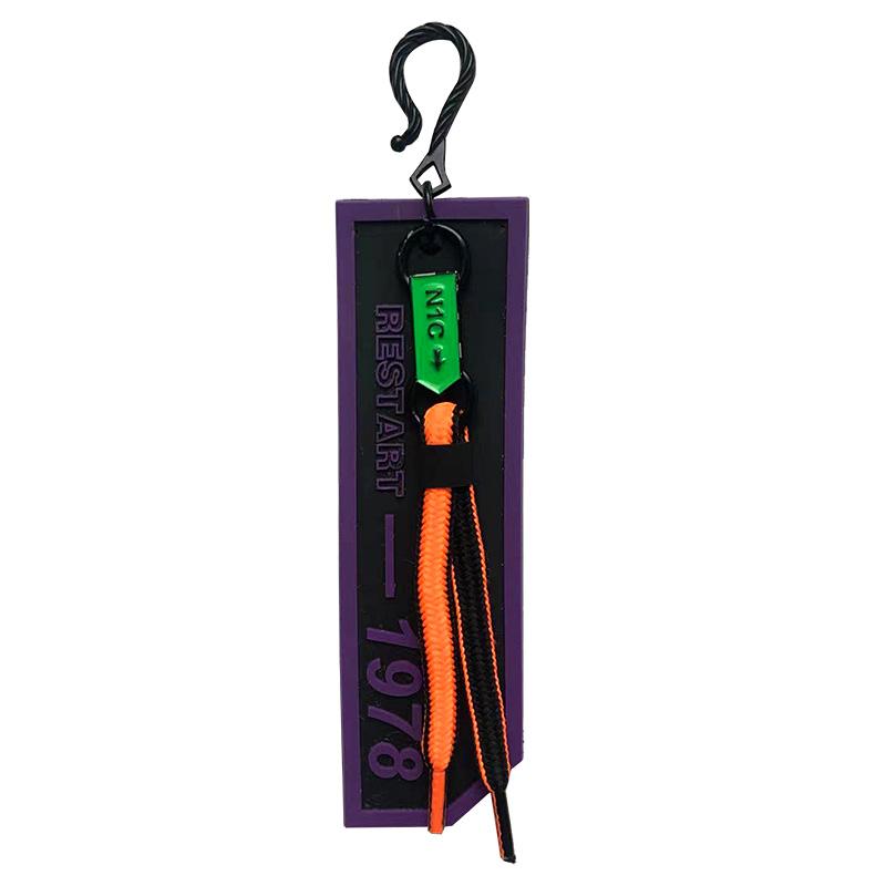 """Декоративная навеска силикон на металлическом крючке с неоновым  шнурком """"RESTART -1978"""", цв:фиолетовый/черный/шнурок оранжевый неон/черный"""