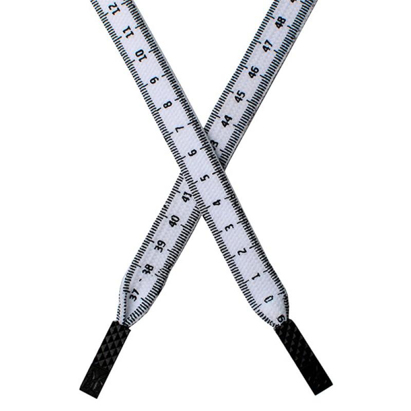 Шнур плоский п/э с принтом 1.2*130см с наконечником, цв: белый/черный