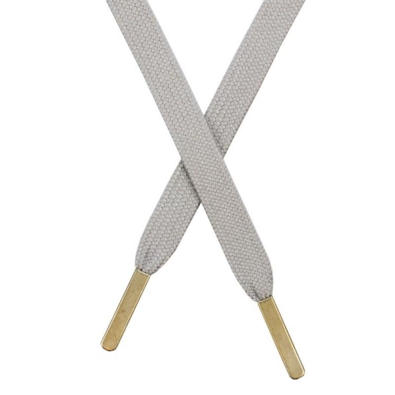 Шнур плоский хлопковый 1,2*130см, с наконечником, цв: светло-серый