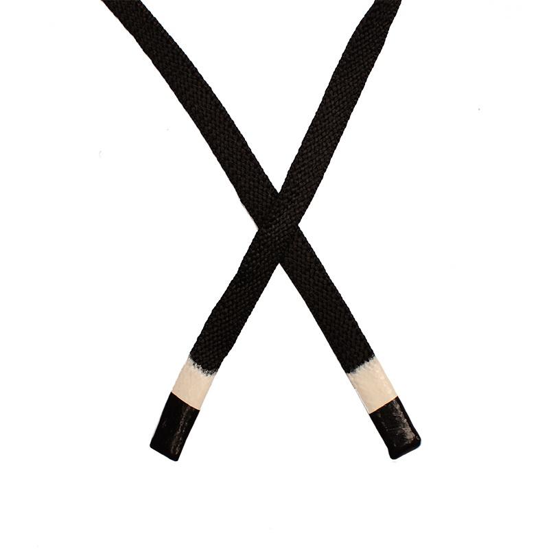 Шнур плоский полиэстер 1*130см с наконечником, цв:черный