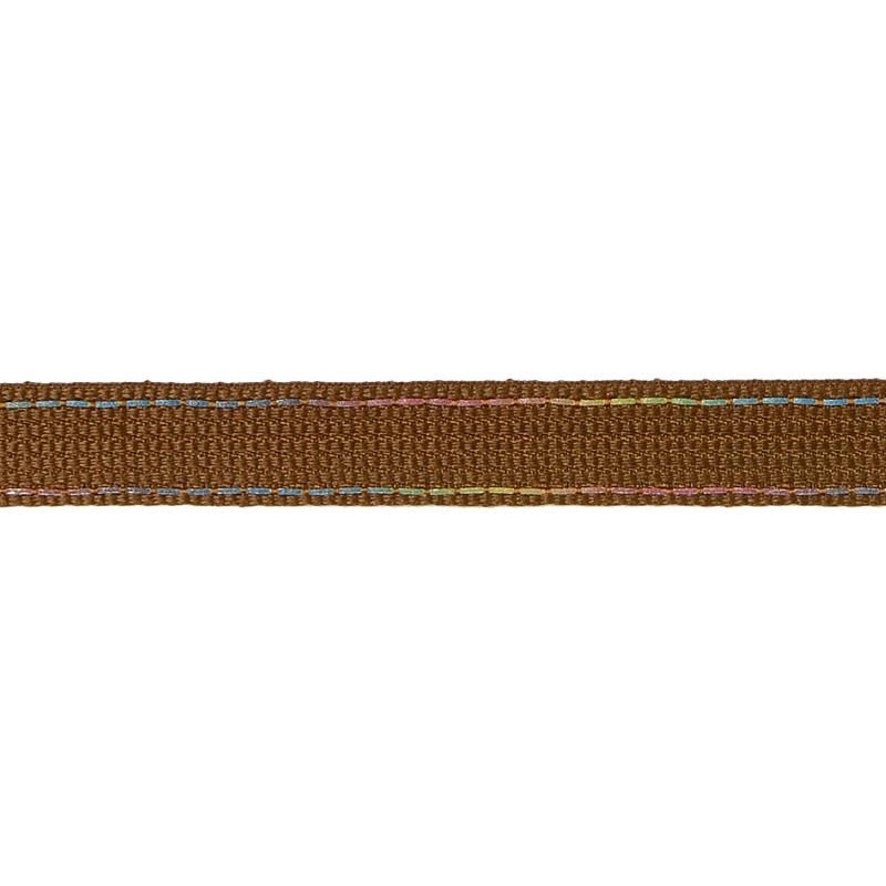 Тесьма полиэстер со светоотражающей голографической прострочкой 1см 43-45м/рулон,цв:коричневый